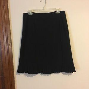 Professional skirt with Pleat Hem